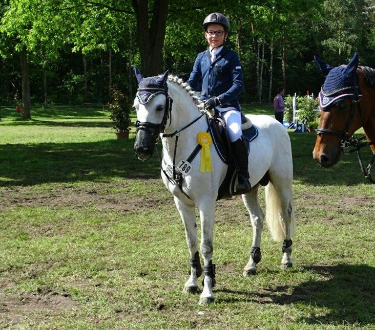 Sieger Prfg Nr. 26 Pony-Stilspringen Kl. A
