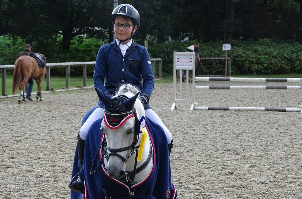 Thore Stieper und Del Piero Gesamtsieger Holsteiner Schaufenster Pony-Jugendförderung 2017