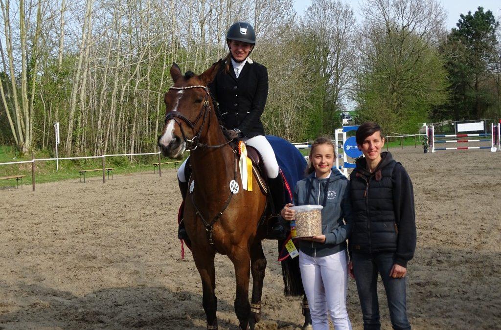 Emily Thiemann und Chess Sieger Prfg Nr. 8