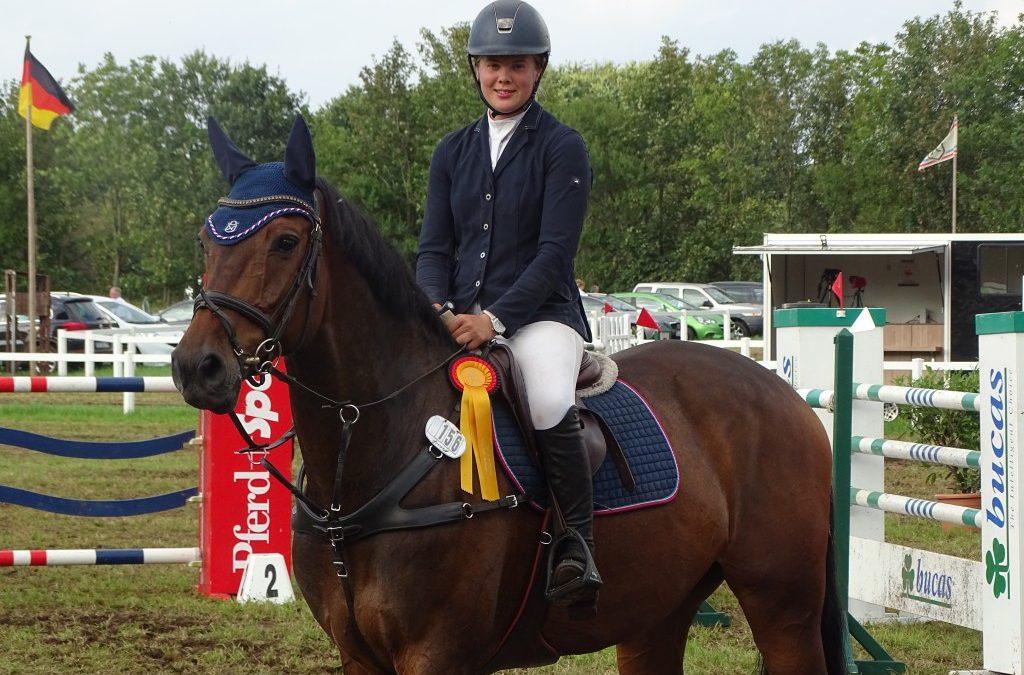 Marieke Reimers punktet mit Caradosso für Züchter Hans-Joachim Kahl und siegt in Final-Qualifikation